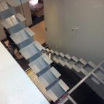 Hoitotason portaat teräksestä.