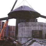 Biohakesiilon katto toteutettiin mittojen mukaan teräksestä